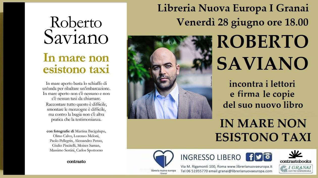 Roberto Saviano incontra i lettori e firma il suo nuovo libro
